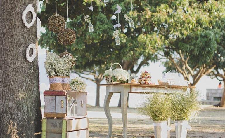decoração de casamento ao ar livre simples